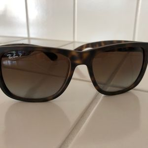 Ray-Ban Justin Classic 55 Sunglasses RB4165